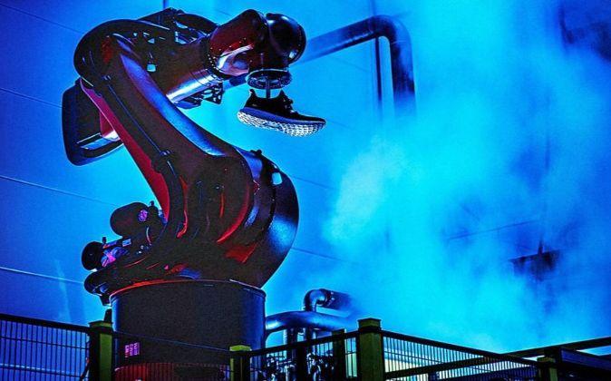 Robot en una fábrica de Adidas.