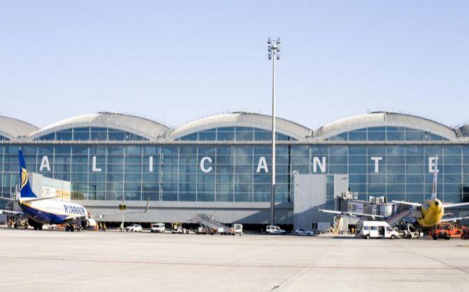 El aeropuerto de Alicante se consolida como quinto de España por...