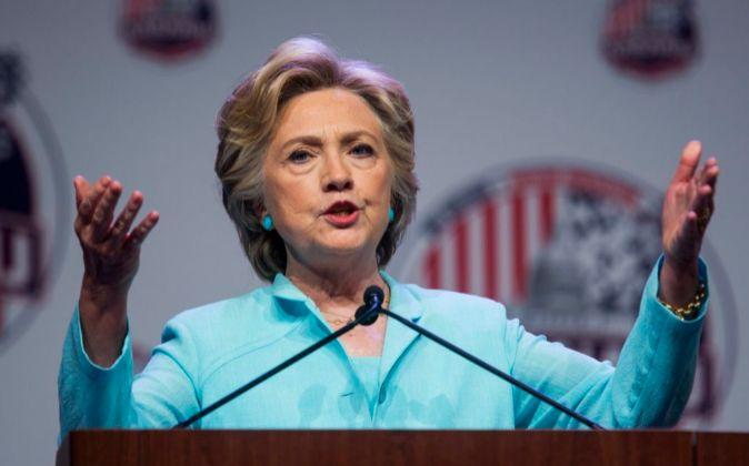 La candidata demócrata a la Presidencia de EEUU, Hillary Clinton,...