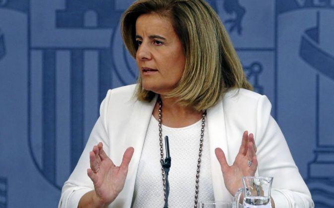 La ministra de Empleo en funciones, Fátima Báñez, durante una rueda...
