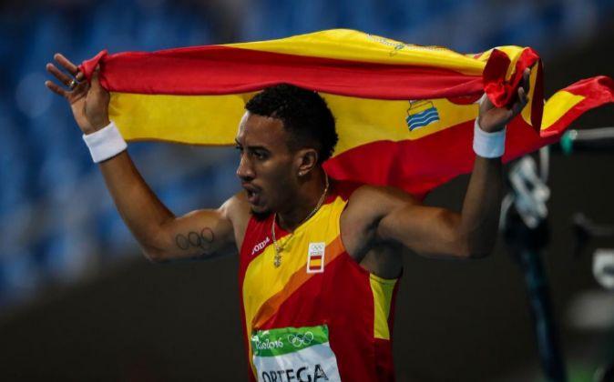 El atleta español Orlando Ortega celebra la segunda posición en la...