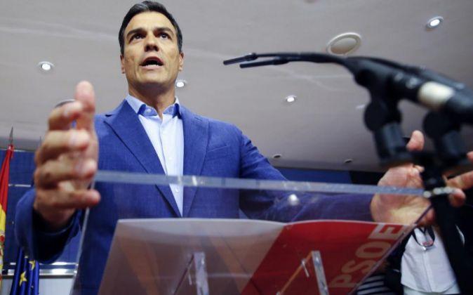 El líder del PSOE, Pedro Sánchez, durante la rueda de prensa que...