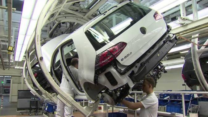 Línea de montaje del Volkswagen E-Golf en la planta de Wolsburgo