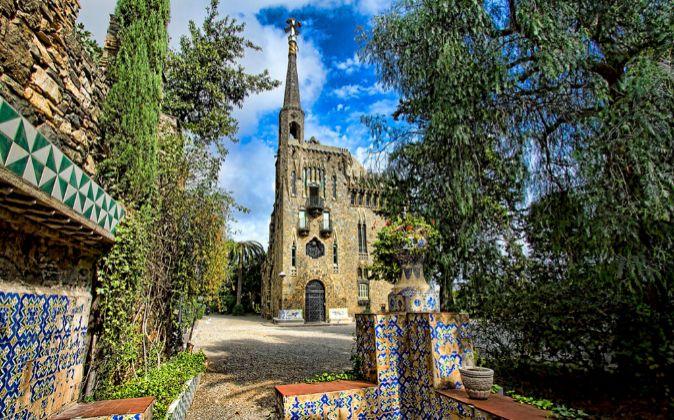 La Torre Bellesguard de Barcelona, diseñada por Antoni Gaudí, fue el...