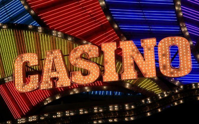 Macao es la única parte de China donde los juegos de azar son...