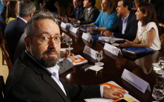 El integrante del equipo negociador de Ciudadanos Juan Carlos Girauta...
