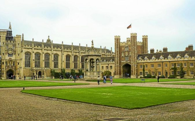 La Universidad de Cambridge, una de las instituciones académicas más...