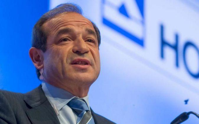 El presidente de la constructora alemana Hochtief, Marcelino...
