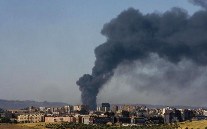 La gran columna de humo que apareció el 26 de agosto sobre el...