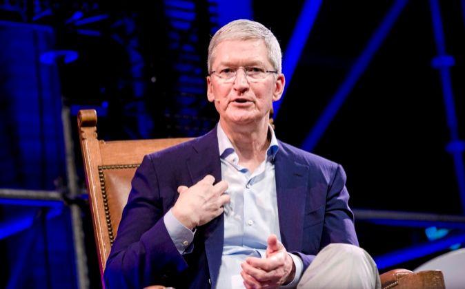 Tim Cook, consejero delegado de Apple, acaba de cumplir cinco años al...