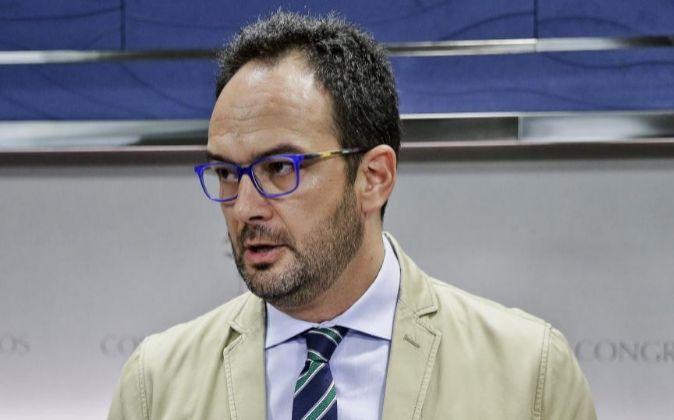 El portavoz del Grupo Socialista, Antonio Hernando.