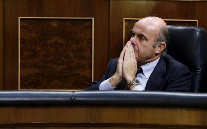 El ministro de Economía en funciones, Luis de Guindos, el pasado...
