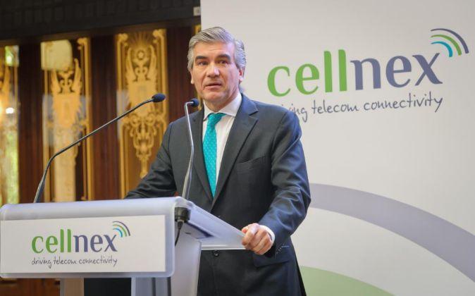 El presidente de Cellnex, Francisco Reynés, el día de la salida a...