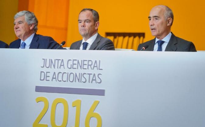 Santiago Bergareche, Iñigo Meiras y Rafael del Pino, accionistas de...