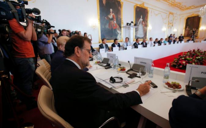 El presidente en funciones del Gobierno español, Mariano Rajoy,...