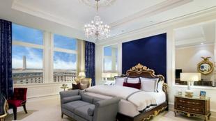 La habitación presidencial utiliza el azul, el rojo y el blanco...
