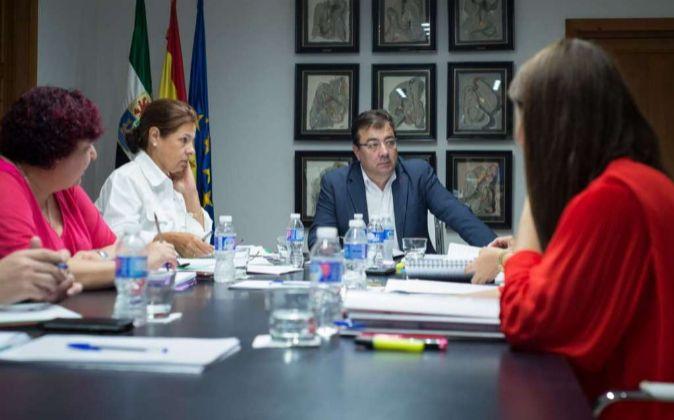 El presidente de la Junta reunido con el área de Educación y Empleo