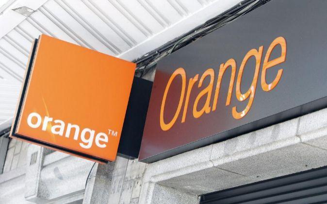 Cartel de Orange.