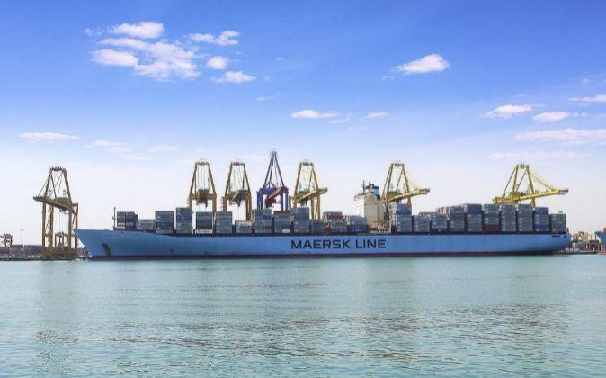 Barco de Maersk Line en el Puerto de Valencia.