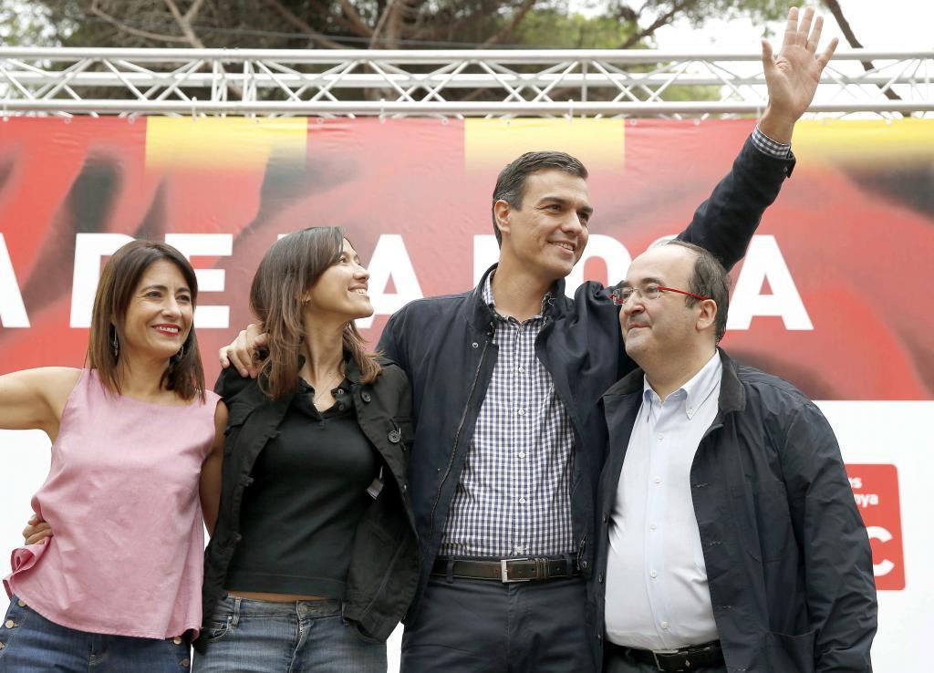Los dos candidatos a liderar el PSC, Núria Parlon y Miquel Iceta,...