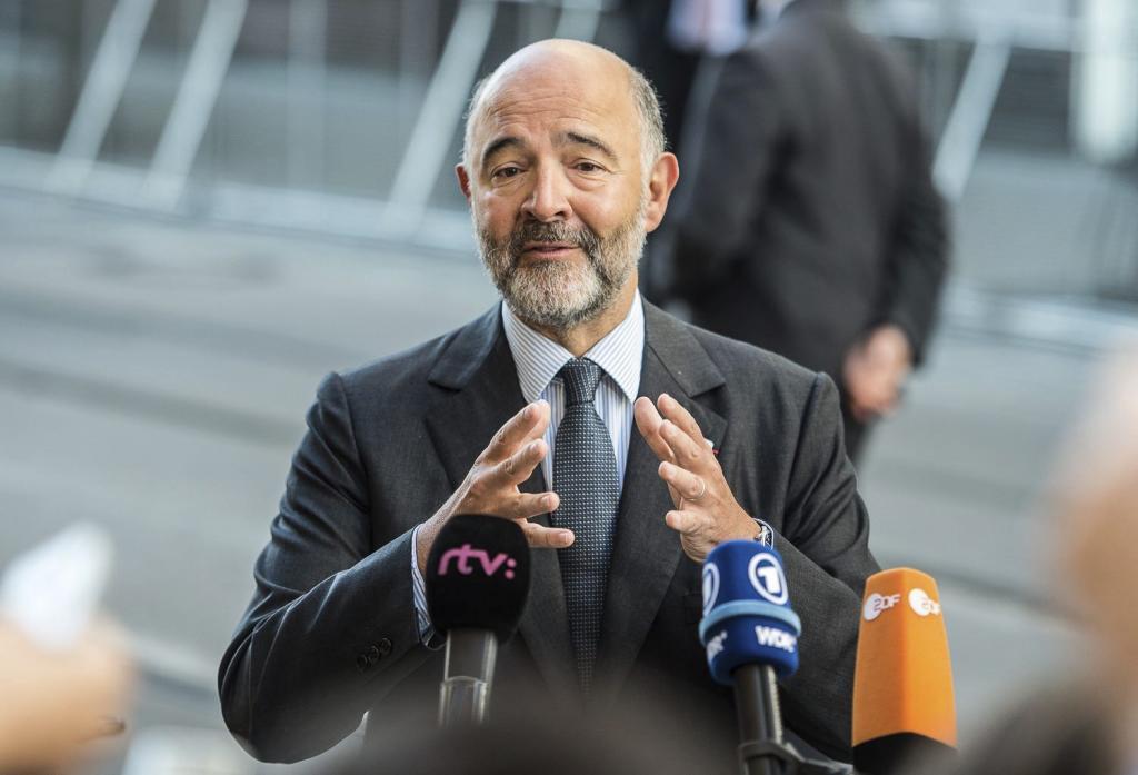 El comisario europeo de Asuntos Económicos, Pierre Moscovici, el...
