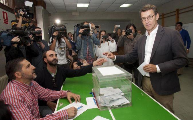 El candidato del PP a la Presidencia de la Xunta Alberto Núñez...