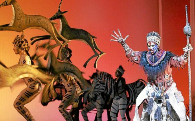 """Escenografía del musical """"El Rey León"""", el mayor éxito de..."""