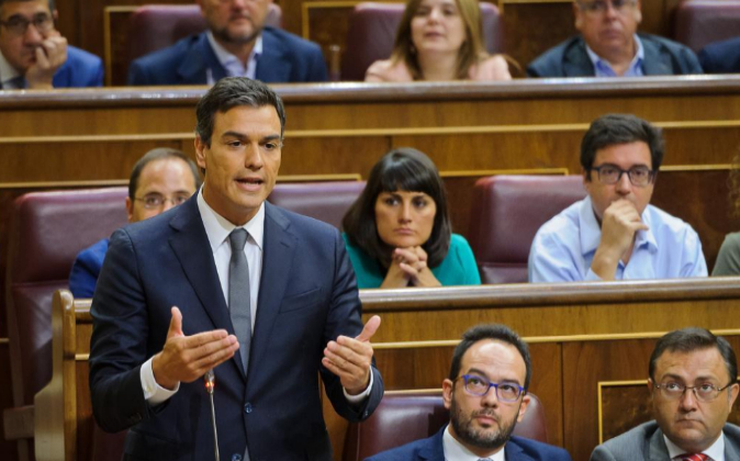 El líder de los socialistas durante la segunda sesión de investidura...