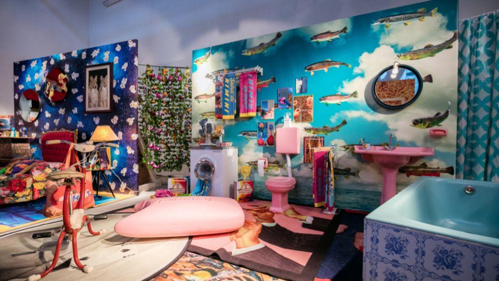 Imagen del interior de la tienda con el puf Soap en el centro. 1.990...