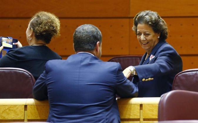 Rita Barberá hoy en el Senado, ocupando su nuevo escaño dentro del...