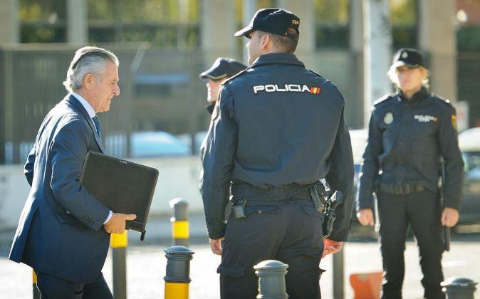 Miguel Blesa, a su llegada hoy a la Audiencia de San Fernando de...