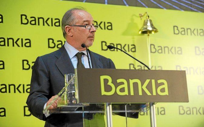Rodrigo Rato, expresidente de Bankia, durante la presentación en...