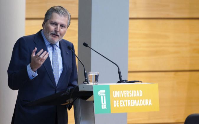El ministro de Educación, Cultura y Deporte en funciones, Íñigo...