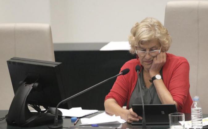 Manuela Carmena, alcaldesa de Madrid, el pasado 28 de septiembre tras...