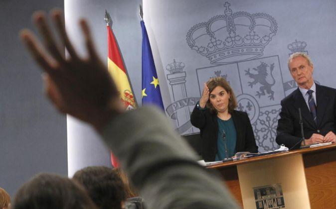 El ministro de Defensa y la vicepresidenta, en rueda de prensa.