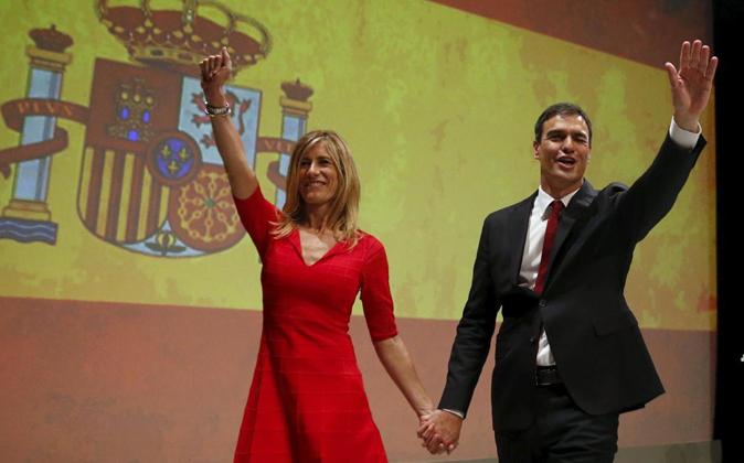 Sánchez no tiene oficio ni beneficio y su mujer está loca por ser la...