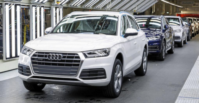 Línea de producción del Audi Q5 en la fábrica de la marca en San...