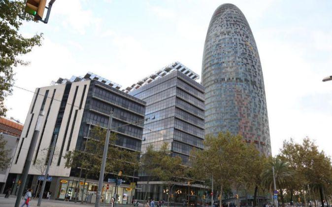 El hotel Silken Diagonal está situado junto a la Torre Agbar de...