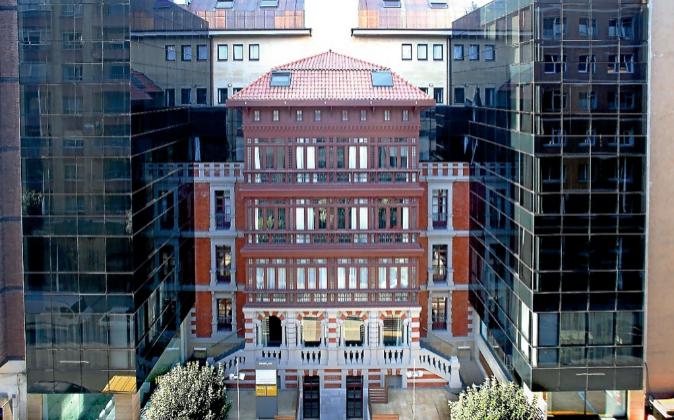 Fachada del edificio en el que se ubica el hotel Barceló Oviedo...