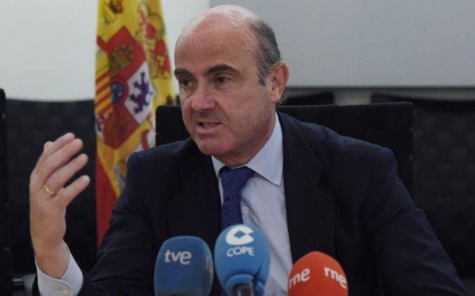 El ministro de Economía y Competitividad en funciones Luis de...