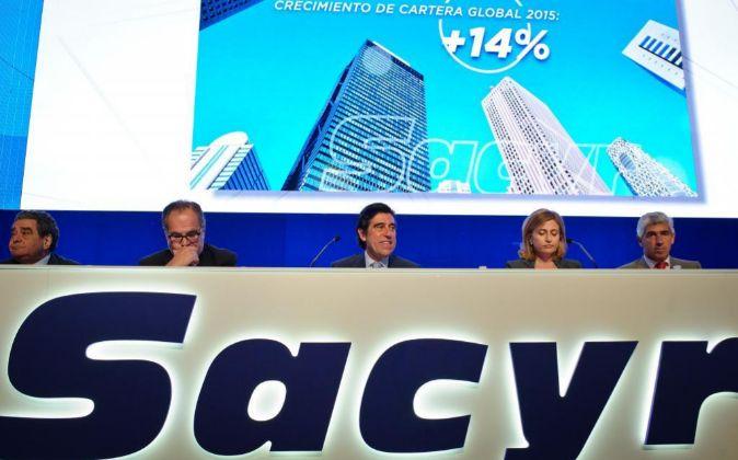 La cúpula directiva de Sacyr, en la última junta de accionistas de...