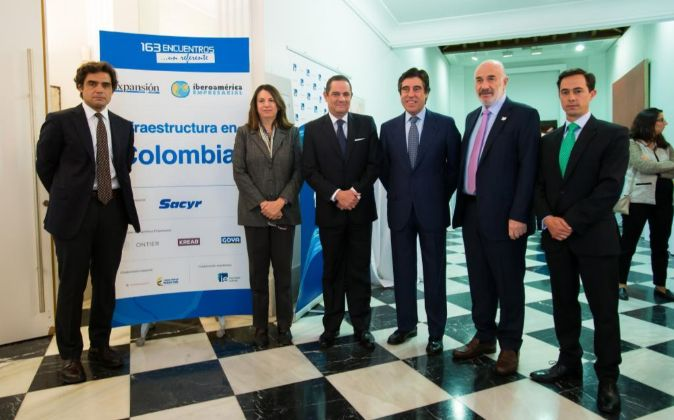 De izda. a dcha., Juan José Güemes, vicepresidente del IE Business...