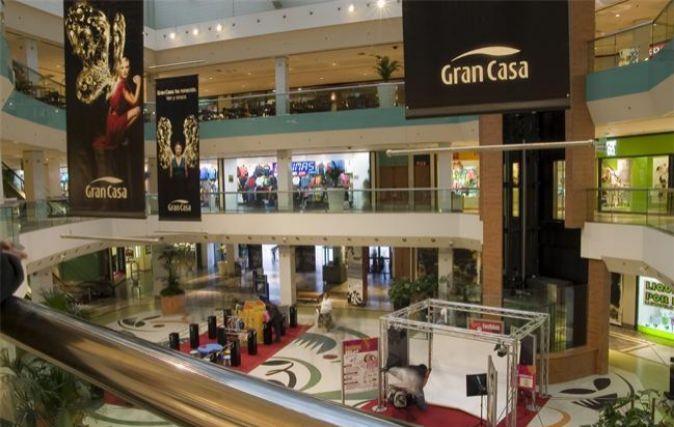 Centro comercial GranCasa, en Zaragoza, uno de los establecimientos de...