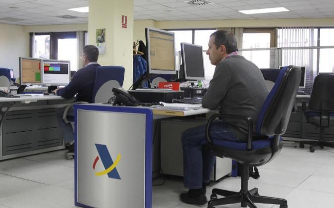 Oficinas del Departamento de Informática Agencia Tributaria Calle...
