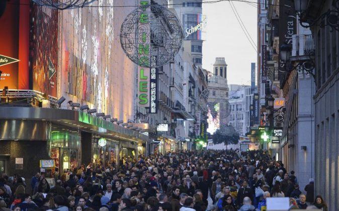 Navidad y compras en la calle Preciados de Madrid.