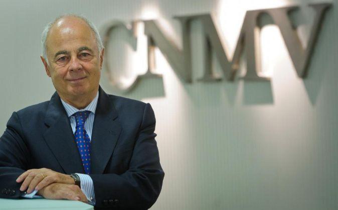 El presidente actual en funciones de la CNMV Juan Manuel Santos...