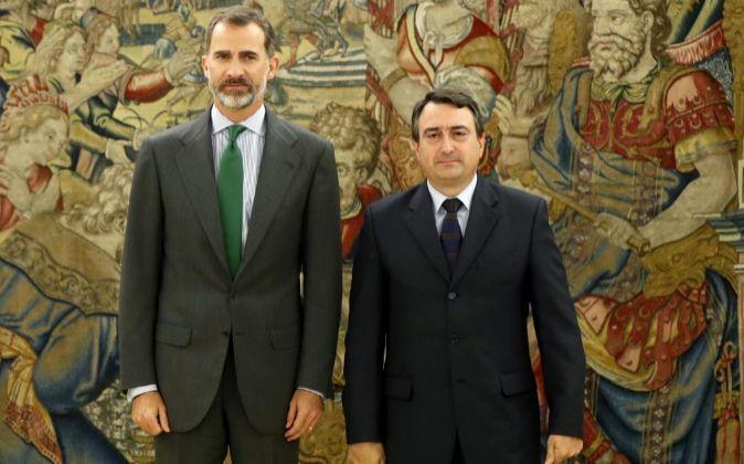 El rey Felipe VI recibe al portavoz del PNV en el Congreso, Aitor...