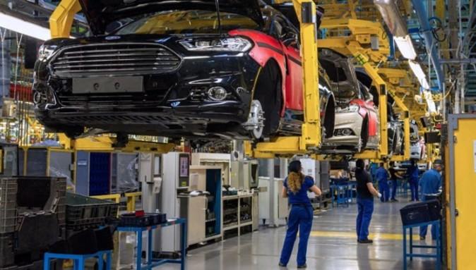 Cadena de montaje del Ford Mondeo en la planta de Almussafes...