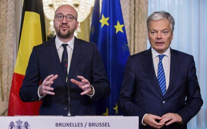 El primer ministro belga, Charles Michel, y el ministro de Exteriores...