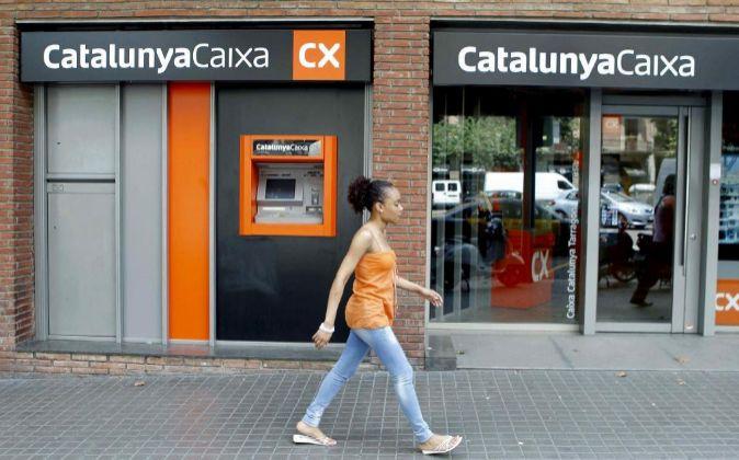 Vista de una sucursal de CatalunyaCaixa, marca comercial de Catalunya...